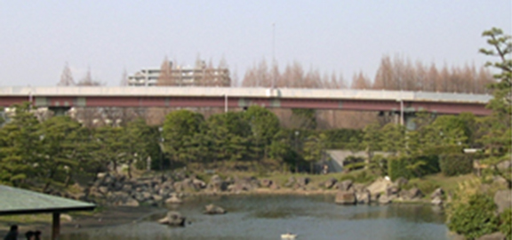 Image of the Suzuga-mori entrance before improvements